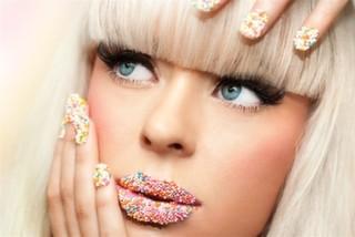 En Son Trend: Protez Tırnak Ve Nail Art
