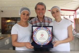 Yaşar Usta'nın Dondurma Aşkı: ''Dondurma Sevdam Yüzünden 12 Yaşında Kaçak Olarak İtalya'ya Gittim.''