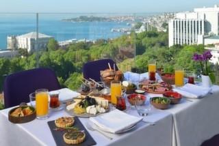 İstanbul'da Doyasıya Bir Hafta Sonu İçin Açık Büfe Kahvaltı Sunan Mekanlar