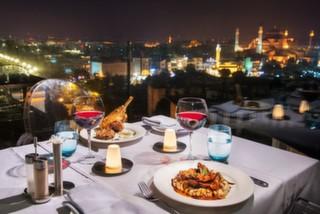 Fırsat Bu Fırsat'tan %50 İndirim: 14 Şubat'ta Romantik Akşam Yemeği Rehberi