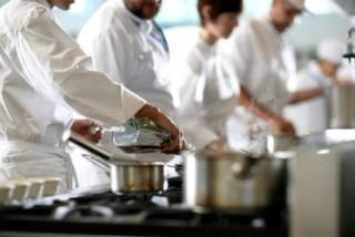 Restoran Yemeklerinin Tadı Neden Bir Başkadır?