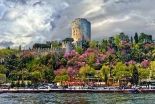 İstanbul Boğazı'ndaki 12 Erguvan Noktası