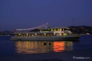 İstanbul Boğazı'nda Tekne Turu