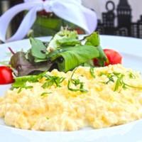 Çırpılmış Yumurta ve Süt,Domates,Salatalık