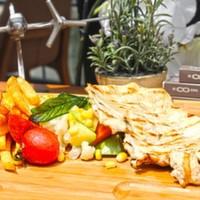 Izgara tavuk göğüs,Haşlanmış mevsim sebzeleri,Patates kızartması