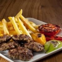 200 gr. Dana kıyma-Köz biber-Köz domates, patates kızartması veya pilav