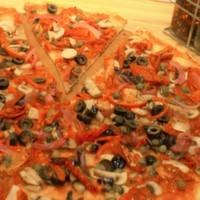 Shos sos, küp domates, kurutulmuş domates, kapari, soğan, siyah zeytin,  kırmızı biber, mantar.