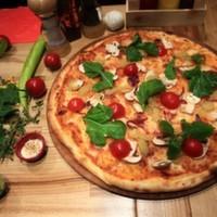 Shot sos, mozarella, sotelenmiş kabak, sotelenmiş patlıcan, ıspanak, domates, köy peyniri.