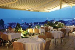 Mosaic Terrace Restaurant, Eresin Crown Hotel
