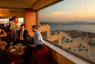 Summit Bar & Terrace, Conrad Hotel