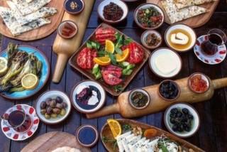 Bazlama Kahvaltı & Brunch, Karaköy