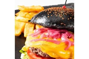 Fine Dine İstanbul'da Manzaralı Hamburger Menü