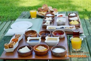 Sancaktepe Kolcuoğlu'nda Serpme Kahvaltı Keyfi