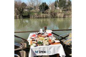 Ağva İpek Koza Motel'de Serpme Köy Kahvaltısı