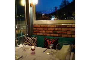 Kuruçeşme Ay Balık & Et Restaurant'ın Şık Atmosferinde Akşam Yemeği
