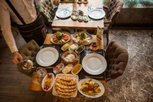 Ziverbey Restaurant'tan Lezzet Dolu Serpme Kahvaltı Menüsü