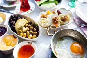Çankaya Engelsiz Dünya Cafe'de Serpme Kahvaltı & Kahve Keyfi