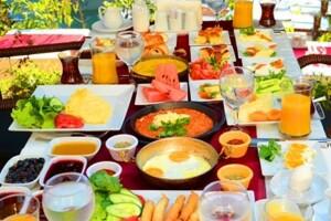 Göksu Locca Cafe'den Zengin İçerikli Serpme Kahvaltı Keyfi
