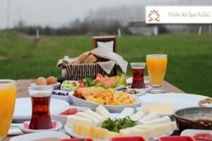 Nilüfer Atlı Spor Kulübü'nde Çiftlik Kahvaltısı ve 3 Tur At Binme