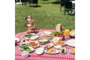 Keyifli Vadi Restaurant'ta Muhteşem Manzaraya Karşı Serpme Kahvaltı