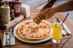 Cvk Hotel Taksim'de Lezzetine Doyamayacağınız Pizza Menü