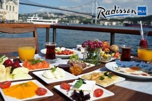 Radisson Blu Bosphorus Hotel'de Boğaza Nazır Serpme Kahvaltı Keyfi