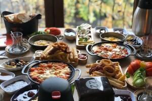 Beyrut Kafe'de Enfes Serpme Kahvaltı Keyfi